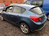 Image 7 of Opel astra - 2012