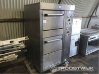 Image 0 of Oven