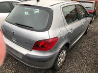 Image 8 of Peugeot 307 - 2001