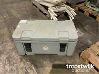 Image 0 of Voetselcontainer